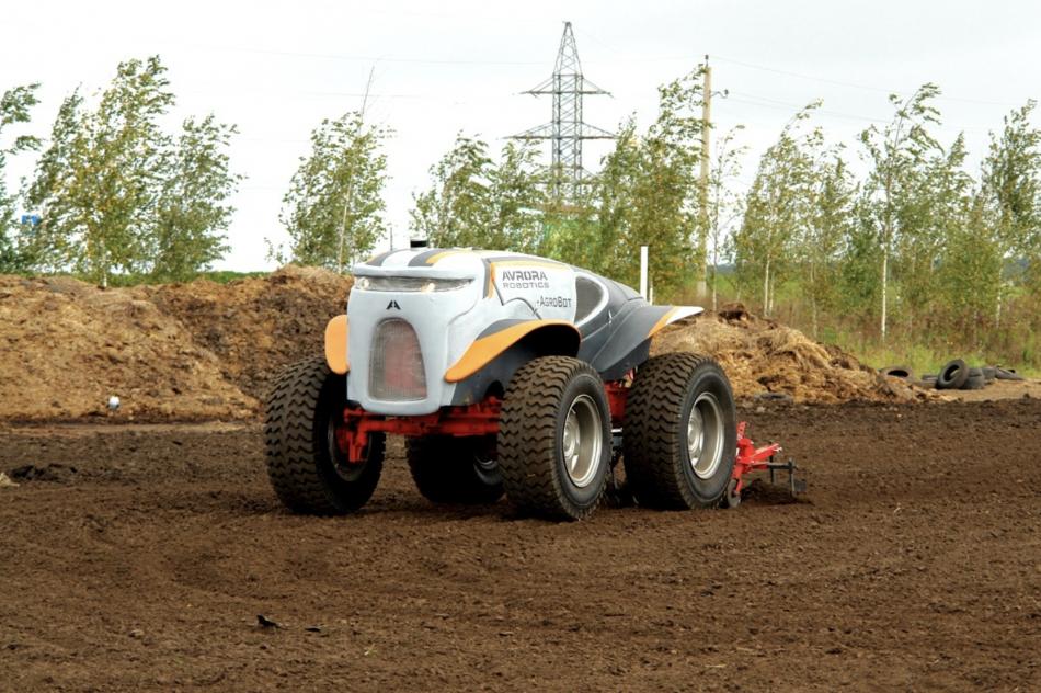 Беспилотный аграрный трактор