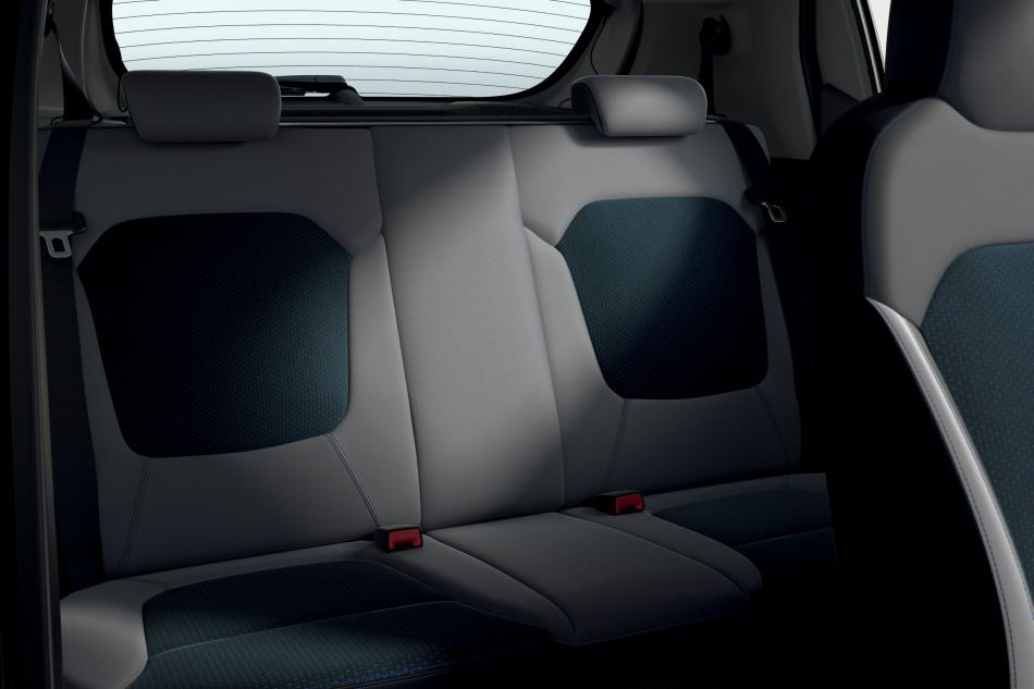 Электрический кроссовер Dacia Spring интерьер