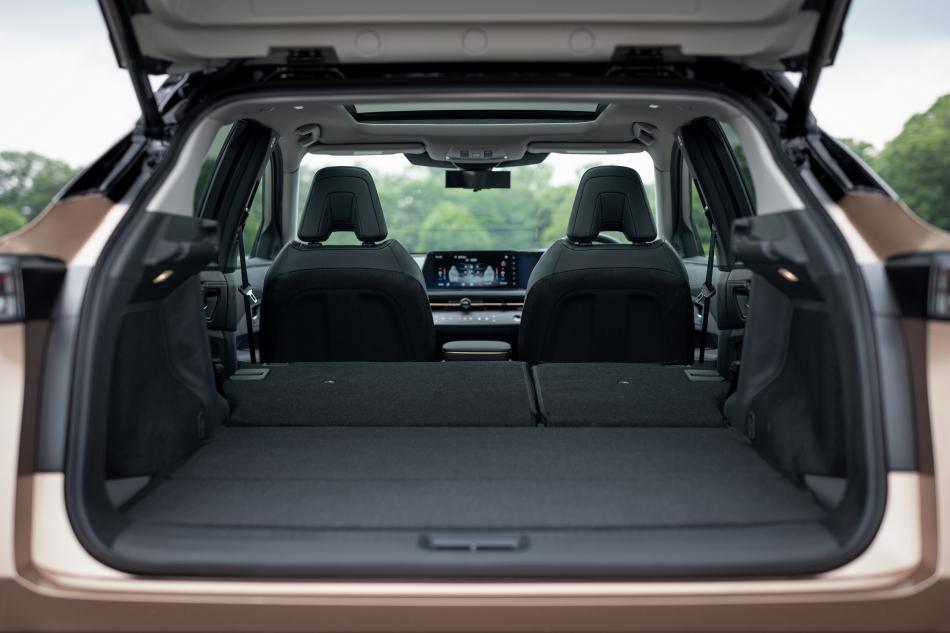 Nissan Ariya багажник