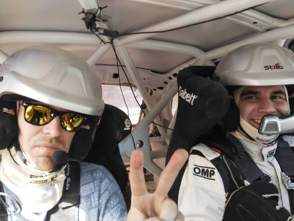 Инженер-конструктор Сергей Трухин с гонщиком Алексеем Лукьянюком на тесте