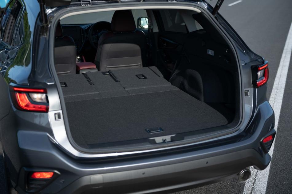 Второе поколение универсала Subaru Levorg багажник