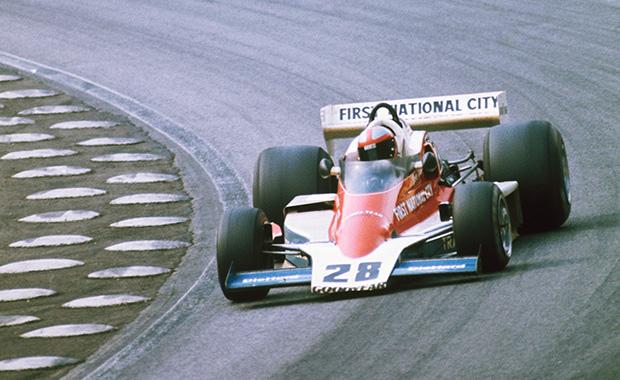 Марк Донохью за рулём Penske PC1