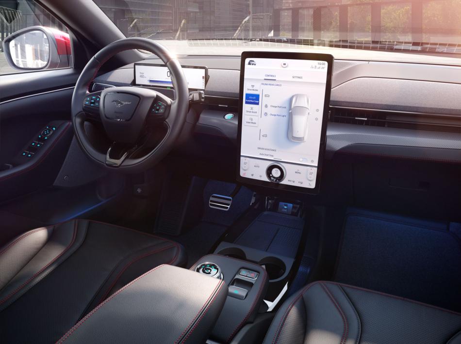 Ford Mustang Mach-E интерьер