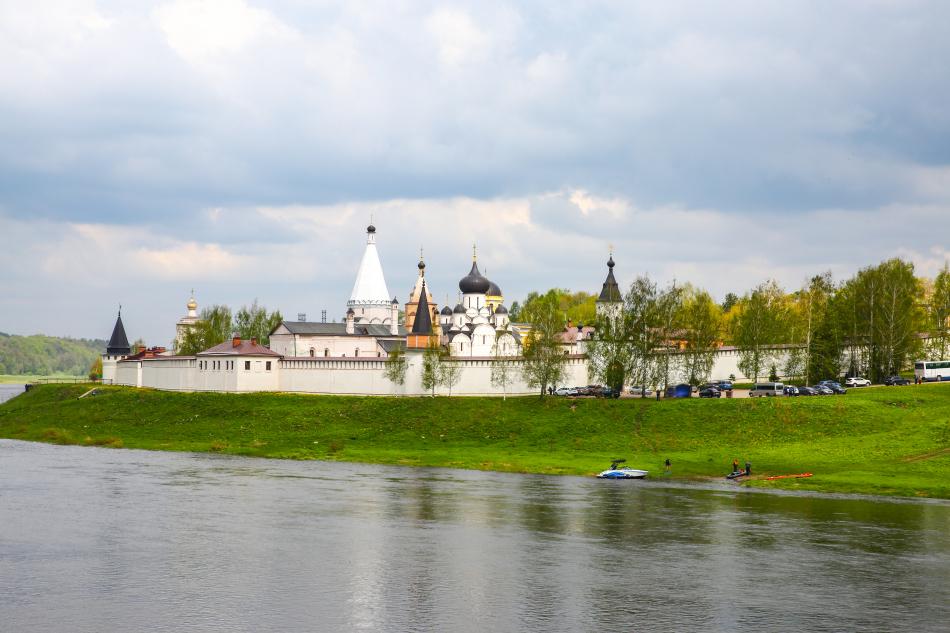 Свято-Успенский монастырь М-9