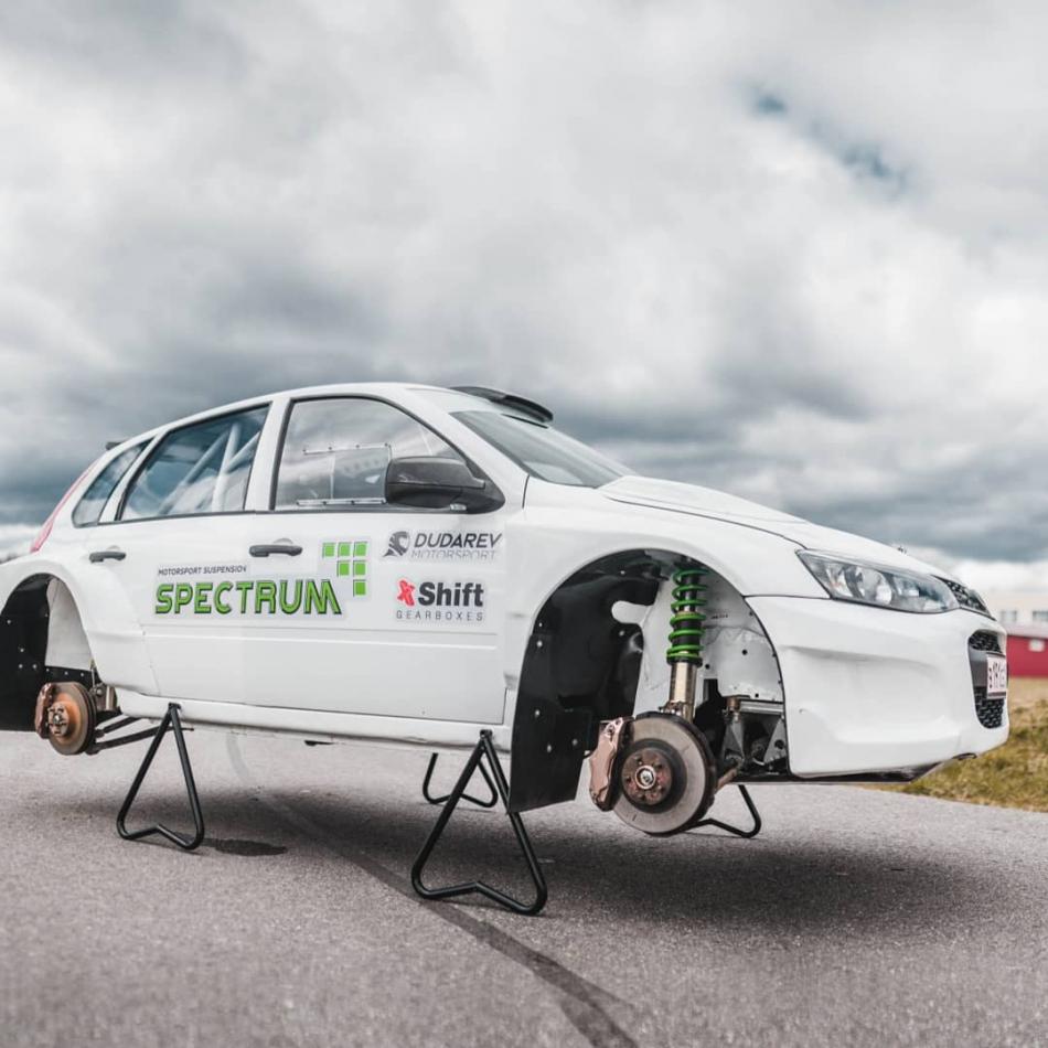 Тесты раллийного автомобиля