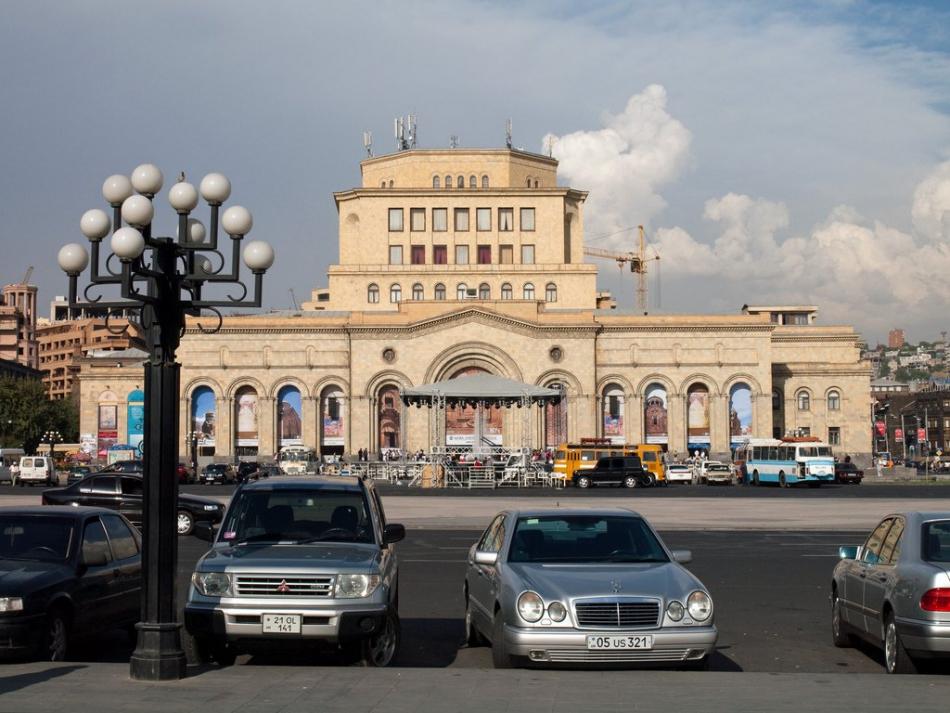 Машины из Армении