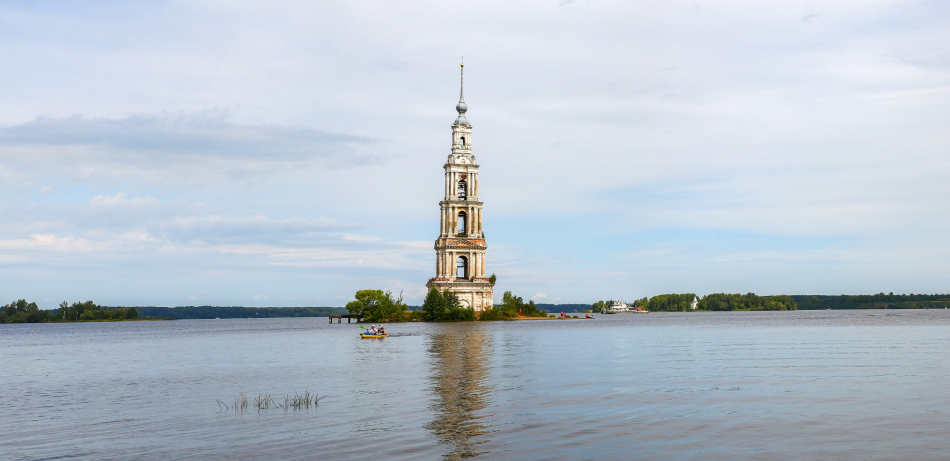 колокольня затопленная