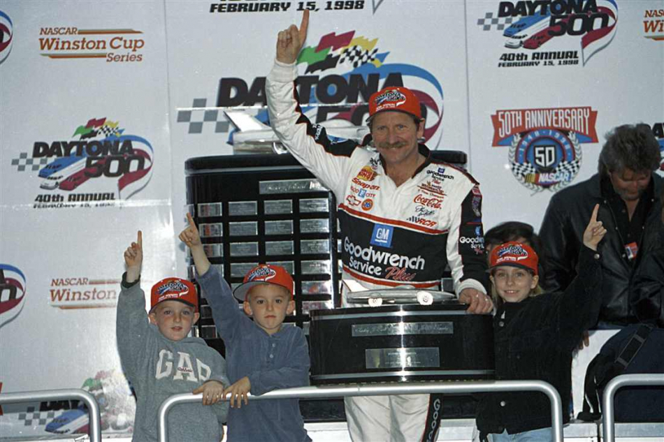 Дэйл Эрнхардт после победы в Дайтоне в 1998 году